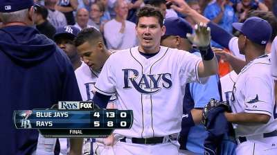 Rays walk off on Lobaton's ninth-inning triple