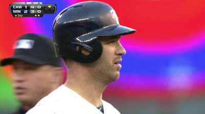 Mauer a late scratch from lineup with dizziness