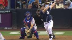 Padres' new padre Hundley helps derail Mets