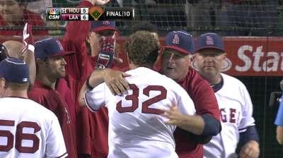 Astros' streak in Anaheim ends on walk-off HR