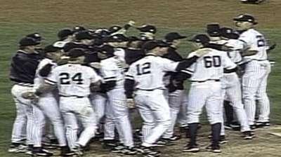 Mo clinches Yankees' fourth straight AL pennant