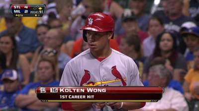Wong feels relaxed after first career hits, stolen bases