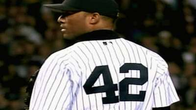 Mo overcomes tragedy to finish 2004 ALCS opener