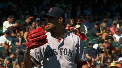 Red Sox unleash offense to romp past Giants