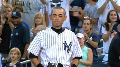 Ichiro joins select group with 4,000th hit