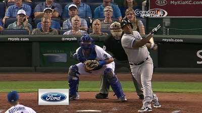Viciedo's slam powers Rienzo to first MLB win