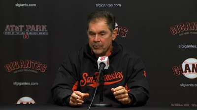 Bochy frustrated by hitting with men on base
