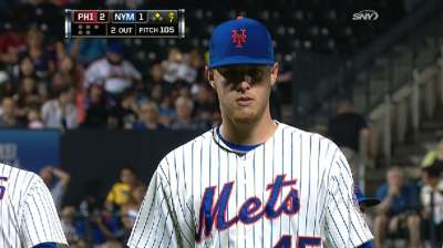 Wheeler hangs tough vs. Lee, but Mets fall