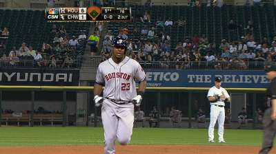 Astros hit five home runs in win over White Sox