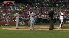 Reds rout Cardinals to gain ground in NL Central