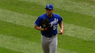 Chen, three relievers lead KC to fifth straight win