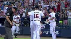 Medlen-McCann battery fuels Braves' sweep