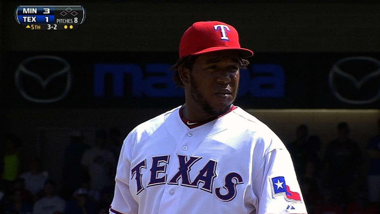 Feliz, Ogando bypass arbitration with Rangers