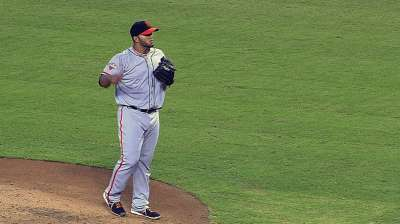 Petit shines as Giants take series from D-backs