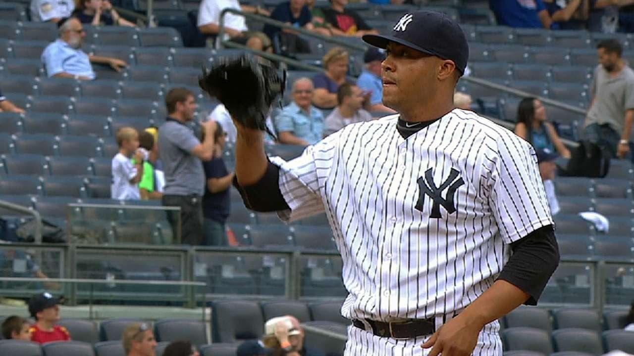 Left-hander Cabral added to Yanks' bullpen