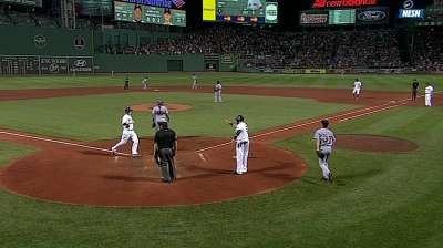 Showing poise, Middlebrooks comes through for Sox