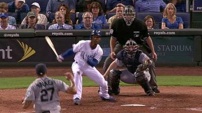 Royals detoured by late long ball against M's