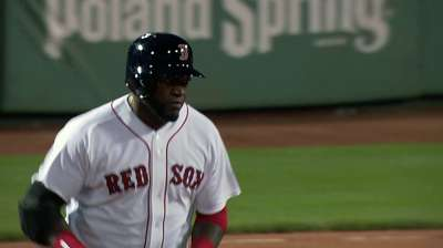 Behind eight homers, Sox pound Tigers