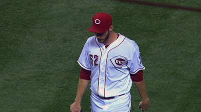 Reds take set from Cards, gain ground in races