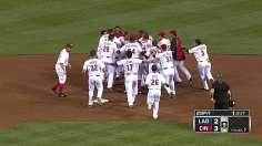 Cincy sweeps LA with another walk-off victory