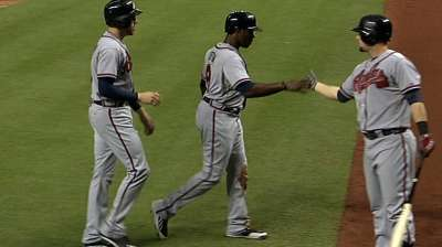 Braves string big rally to back sharp Medlen