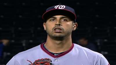 Backed by five homers, Gio fires one-hitter at Mets