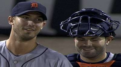 Porcello's first complete game boosts Tigers' lead