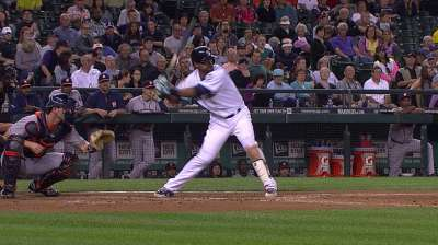 Mariners on wrong side of blowout in Seattle