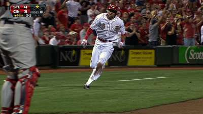 Hamilton putting charge in Reds' playoff hunt