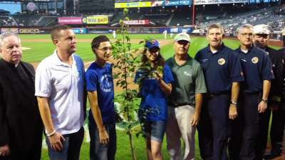 Mets pay tribute to first responders on 9/11