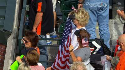 Giants honor victims, firefighters on 9/11