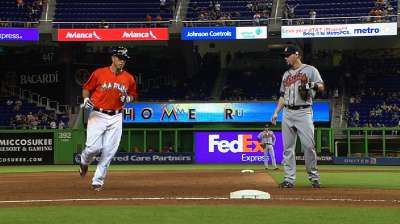 Fernandez apologizes after homer sets off fracas