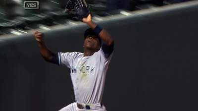Quite a catch: Soriano going above, beyond for Yanks