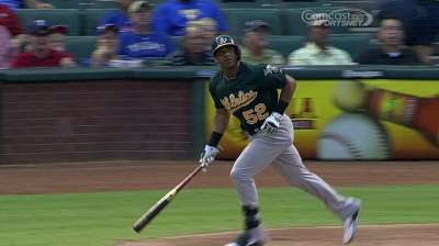 Davis' steady hand behind A's offensive success