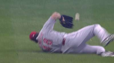 Miller Park giving Ludwick, Reds problems in field