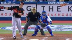 Davis' 50th blast helps O's keep pace in Wild Card