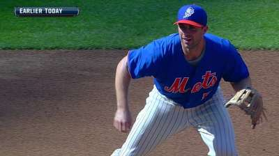 Wright runs bases, still wants to play this season