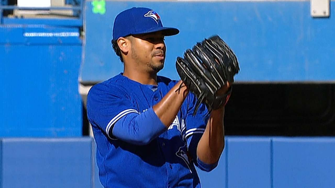 Rogers proves quick study on mound for Blue Jays