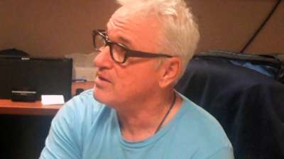 Maddon reminds Rays to 'Be present' with T-shirt