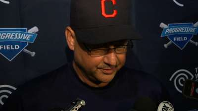 Francona keeps same approach in final days