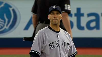 Pettitte outdueled as Yanks suffer WC setback