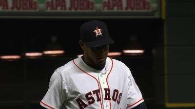 Astros trim roster, cutting Crowe, De Leon