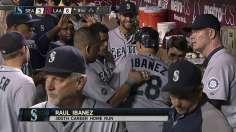 Ibanez belts milestone HR as rally falls short