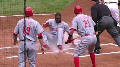 Red alert: Rout forges tie for Wild Card lead