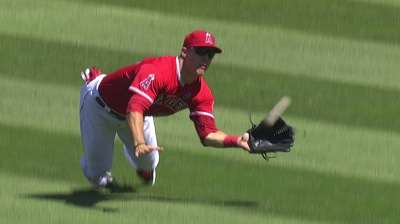 Scioscia rests weary Trout in home finale vs. A's