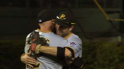 Pulse: Bucs snap hex, and Reds follow suit