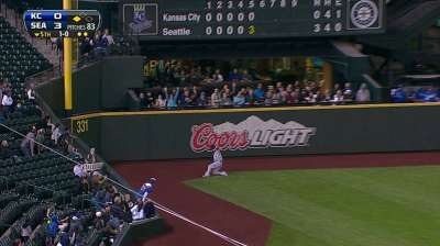 Royals' playoff hopes end against Mariners