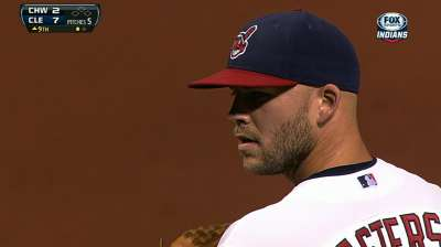 Francona talks to Masterson about speculation