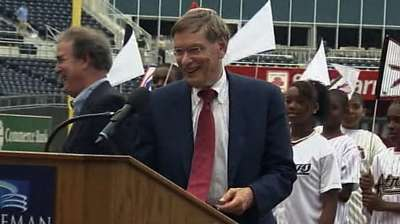 Glass praises Selig's lasting influence on game