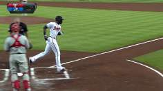 Heyward, Braves rout Phils, tie for NL's top record